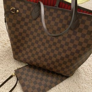 Louis Vuitton Neverfull And Pouch